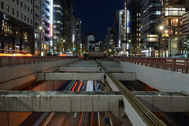 三原橋交差点