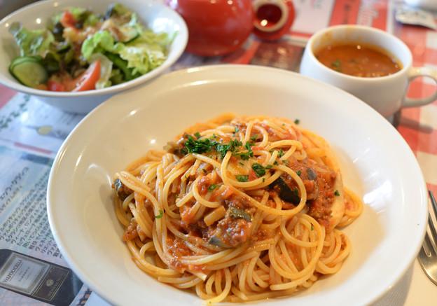 キノコとナスのミートソーススパゲティ