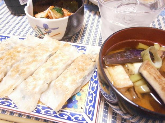 棒餃子と焼きナスの味噌汁