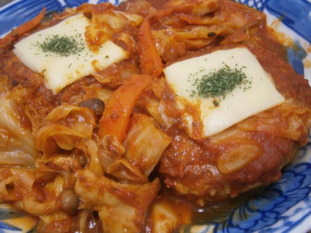 鶏バーグのトマト野菜煮込み