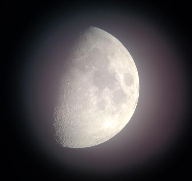 写真: スマホカメラによる月面