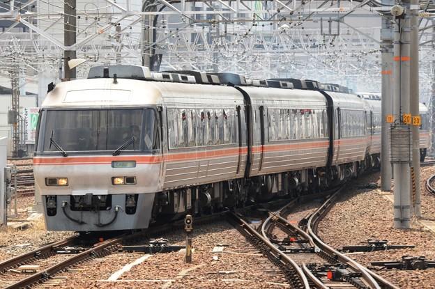 キハ85系ワイドビューひだ7号名古屋入線
