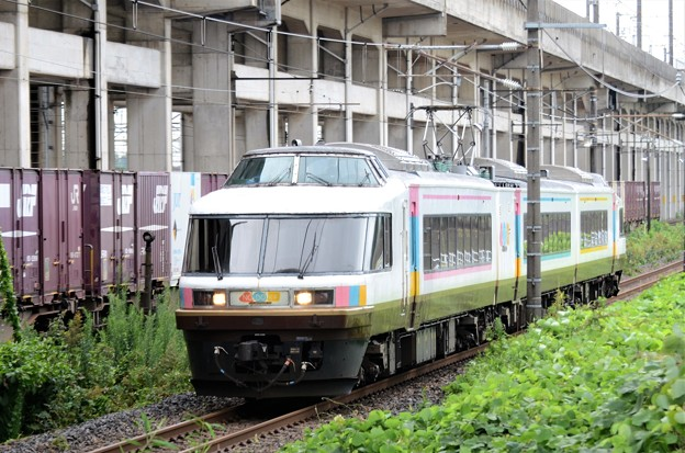 485系カーペットトレイン「NO.DO.KA」宇都宮貨物(タ)通過