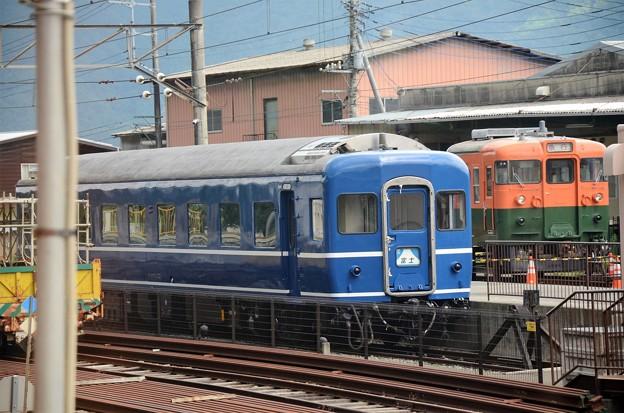 富士登山電車4号車窓のスハネフ14富士&169系