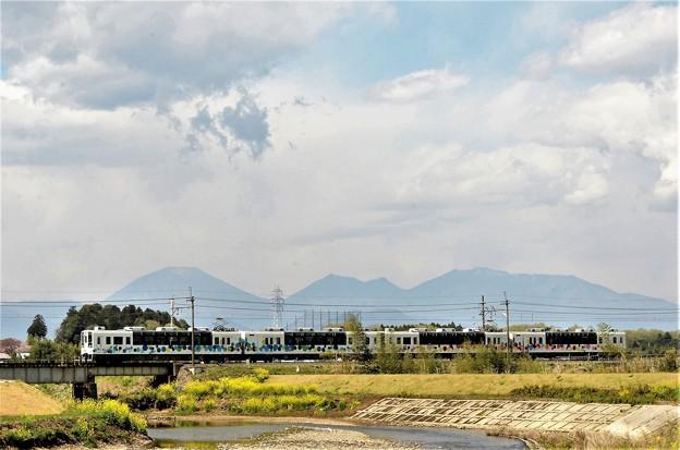 日光連山と東武宇都宮線スカイツリートレイン