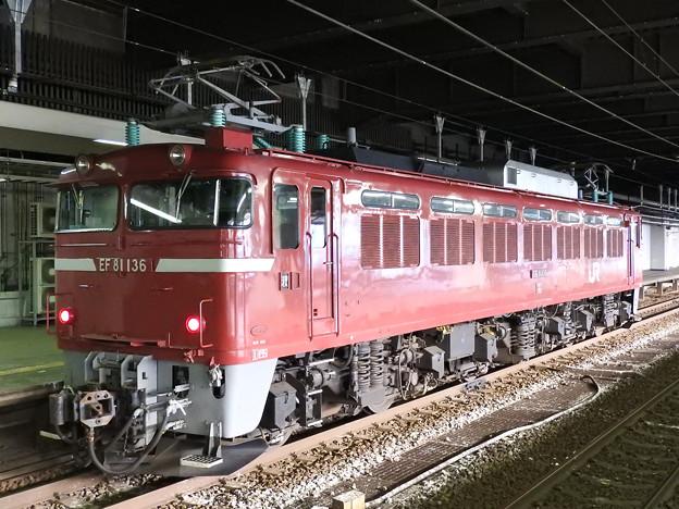 秋田のEF81 136号単機長岡停車