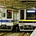 東武宇都宮線新旧車両の並び