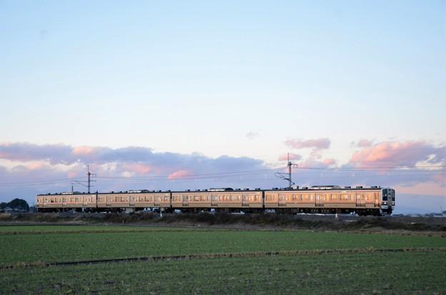 夕陽色の両毛線211系