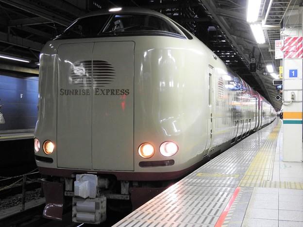 寝台特急サンライズ瀬戸・出雲号東京9番発車直前