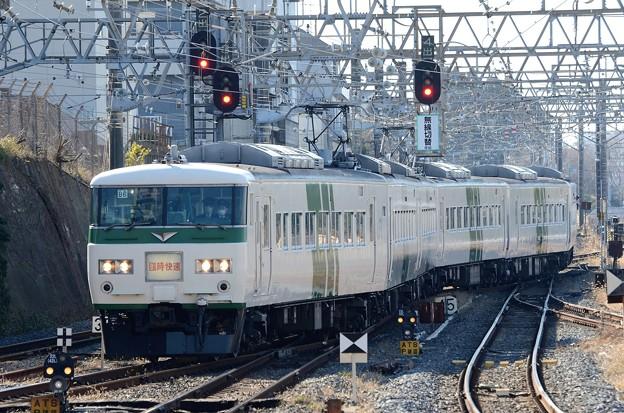 185系B6編成臨時快速成田山初詣伊東号