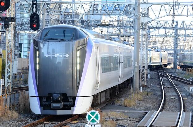 E353系特急あずさ16号新宿到着
