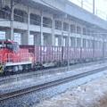 雪の貨物駅HD300コンテナ押込み