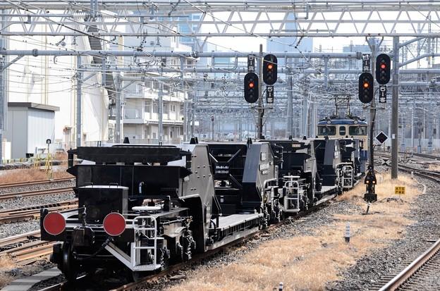 EF65 2068+シキ1000 配8592レ大宮5番発車