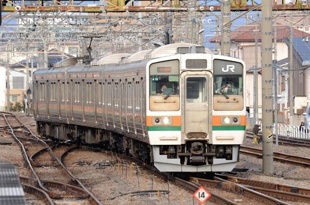 211系A10編成高崎行き新前橋2番入線
