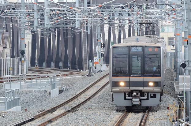 おおさか東線207系直通快速奈良行き
