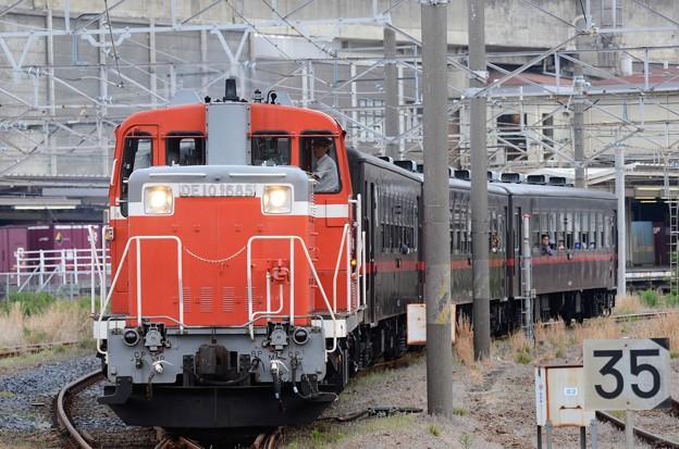 DE10 1685+50系DL & SLもおか号小山発車