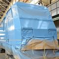 全検塗装中のEH200-2車体