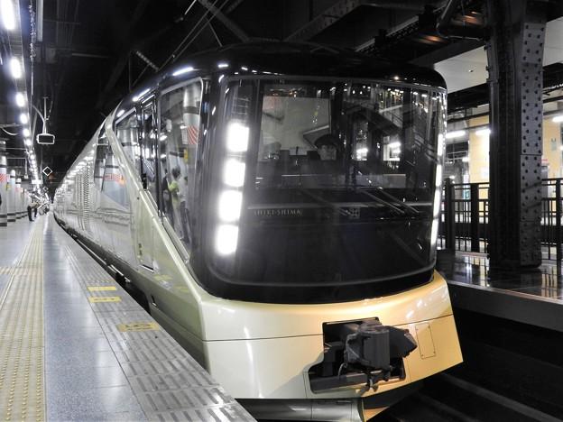 Photos: TRAIN SUITE 四季島 上野13番入線