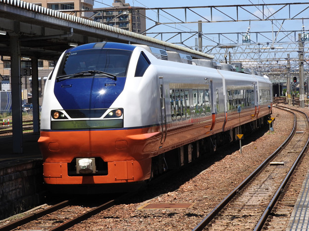 E751系特急つがる2号秋田到着
