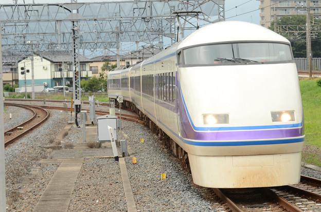東武100系特急けごん76号栗橋通過