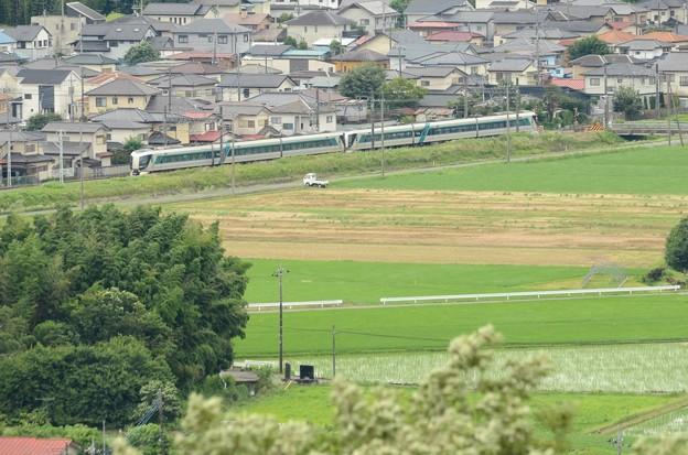 鹿沼富士山公園から望む特急リバティ