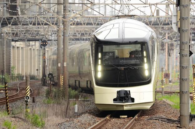 E001系TRAIN SUITE 四季島 小山通過