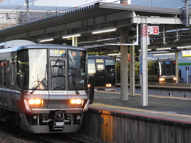 3列車同時発車