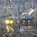 Photos: JR神戸線・宝塚線尼崎同時入線
