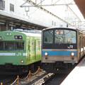 Photos: JR奈良線103系と205系並び