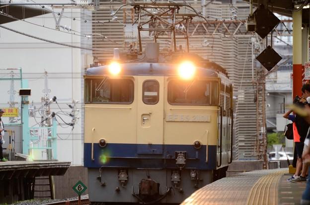 武蔵野線を行くEF65 2101単機臨8876レ