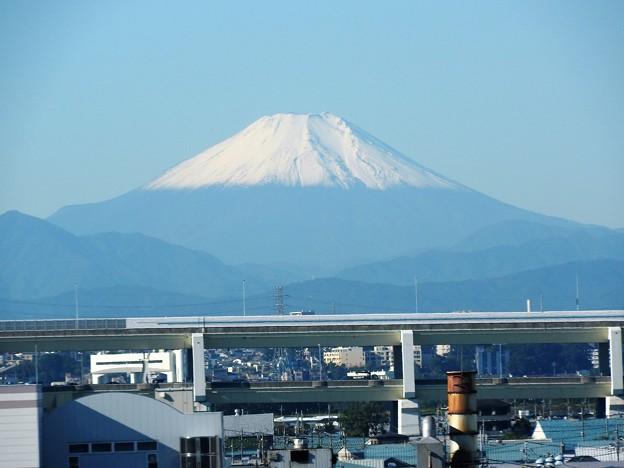 白い富士山 東北新幹線の車窓から今季初