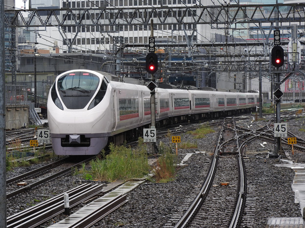 E657系K15編成特急ときわ58号東京9番発車