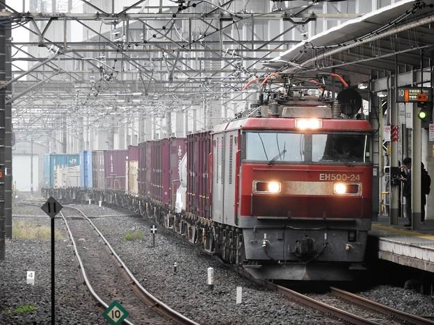 金太郎24号機牽引コンテナ貨物列車小山10番通過