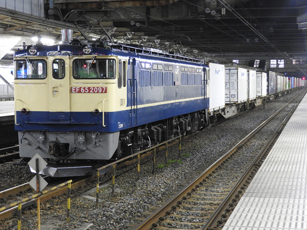 Photos: EF65 2097牽引4073レ小山11番待避