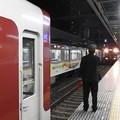 Photos: 近鉄5800系快速急行阪神尼崎3番入線