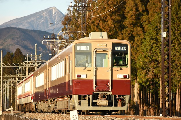 Photos: 東武6000系リバイバルカラー東武日光行き