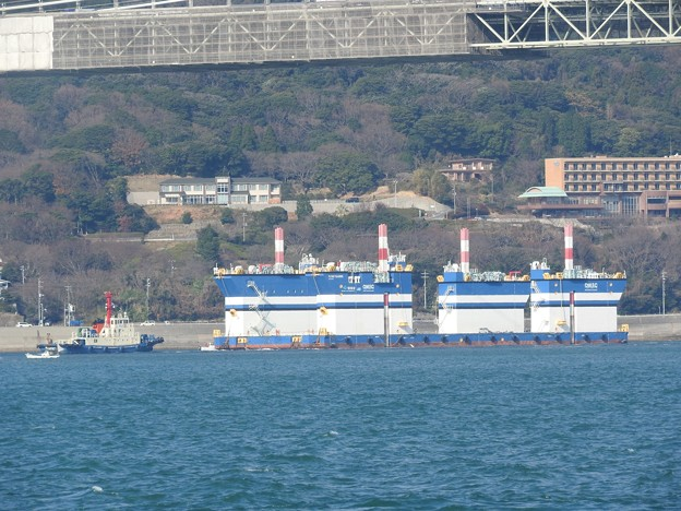 半潜水型スパッド台船「FLOAT RAISER(フロートレイザー)」