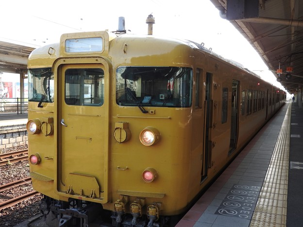 Photos: 115系N-19編成新山口行き下関にて