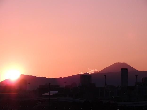 夕陽と富士山シルエット