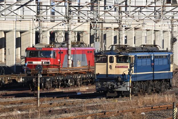 Photos: EF65 2092・チキ・EH500-25並び