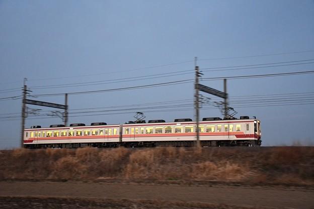 夕暮れ東武6050系