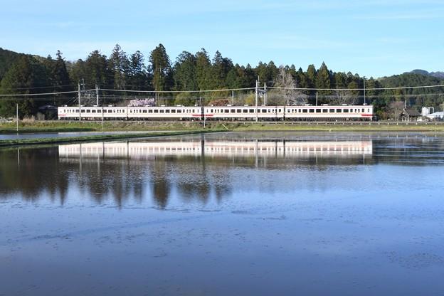 水鏡の東武日光線6050系