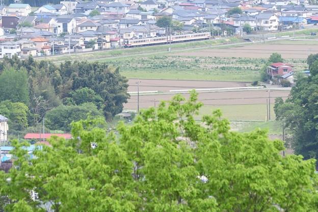 Photos: 新緑の新鹿沼付近を行く東武日光線6050系