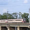 思川橋梁を行く東武6050系