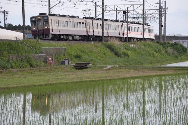 東武6050系リバイバル塗色東武日光行き