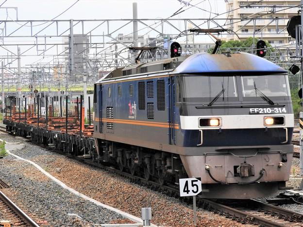 押桃EF210-314+チキ4B 1883レ