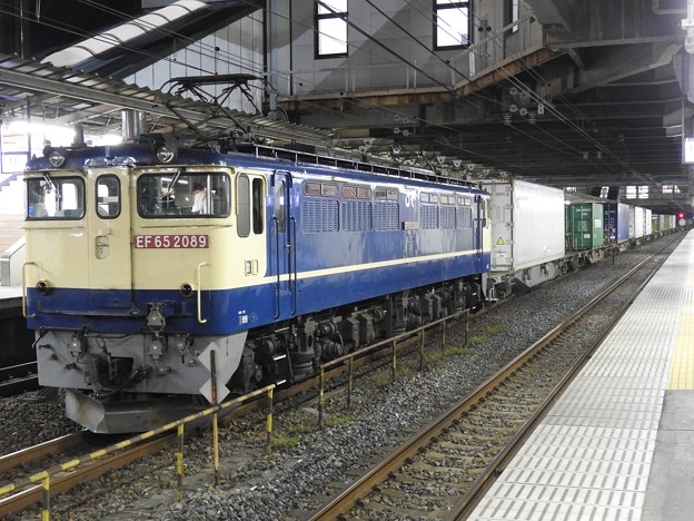EF65 2089牽引4073レ小山11番待避