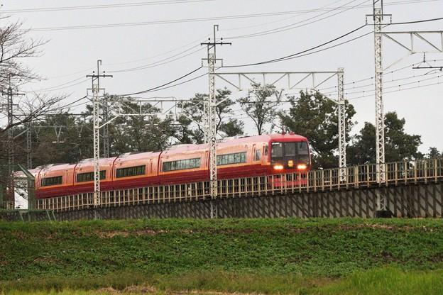Photos: 思川橋梁を行く特急日光8号
