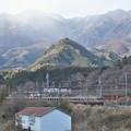 冬間近の東武日光駅を発つ6050系リバイバル編成