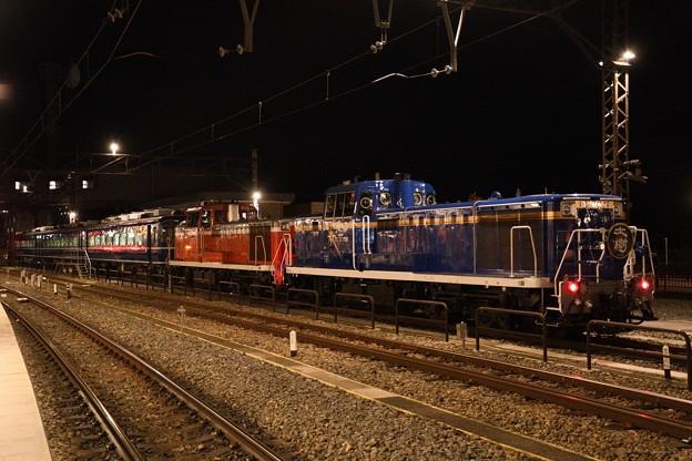 Photos: 重連夜汽車の終着駅にて
